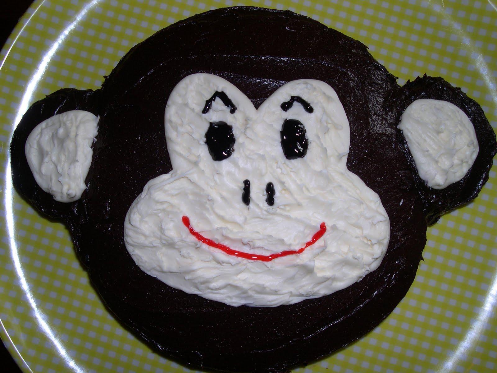 Шоколадный торт в форме макаки